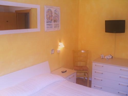 hotel-san-vincenzo-camere-foto-1.jpg