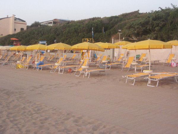 hotel-san-vincenzo-mare-foto-1.jpg